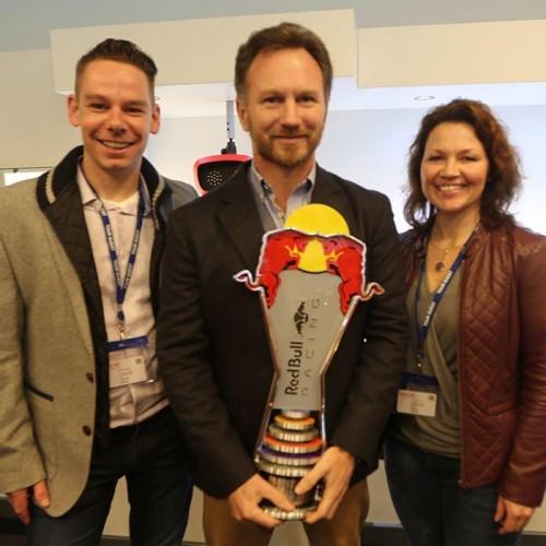 trophy-Christian-Horner-ontvangt-trofee