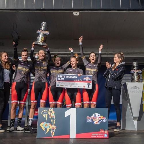 trophy-winnaars-kop-over-kop-2018-vrouwen-1160x853